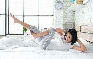 Bài tập thể dục giảm mỡ bụng trên giường