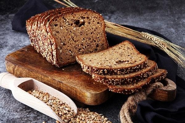 Cách làm bánh mì đen giảm cân tại nhà? Thực đơn giảm cân bánh mì đen